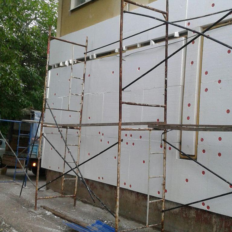 Видео покраска фасада валиком